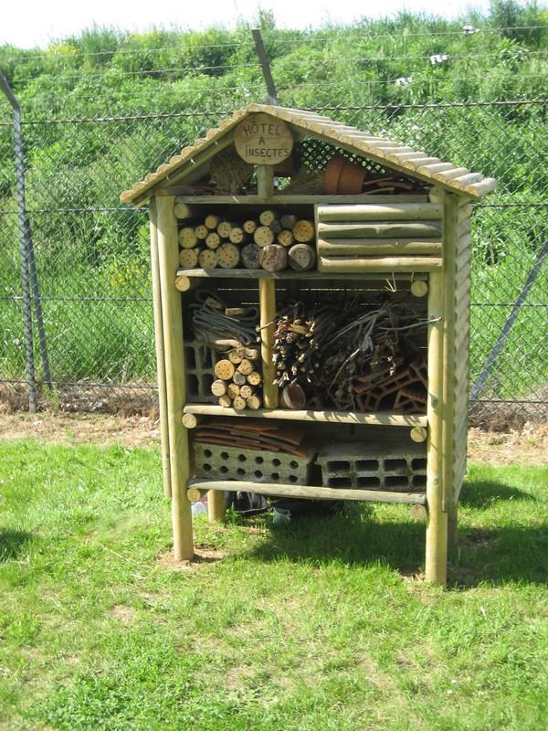 Atelier fabrication de nichoirs insectes samedi 12 mai - Maison a insectes fabrication ...
